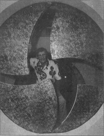 Ben Skora and his dilating door
