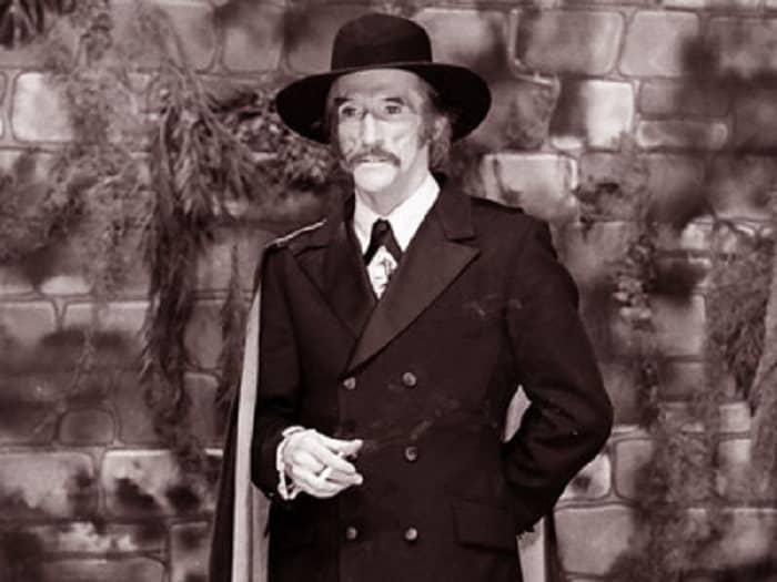 (9) Larry Vincent as Seymour