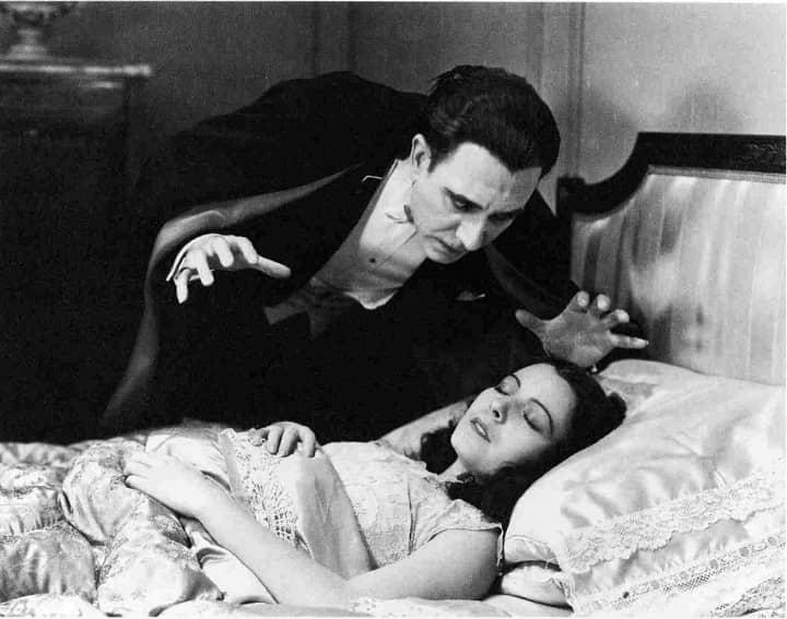 Dracula-Spanish 2-small