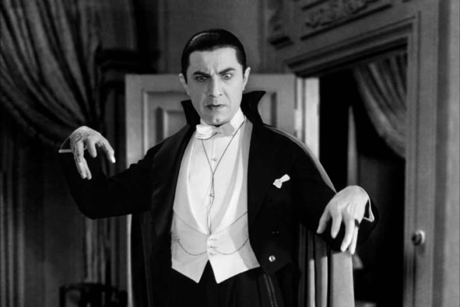 (2) No article on vampires is complete without Bela Lugosi-small