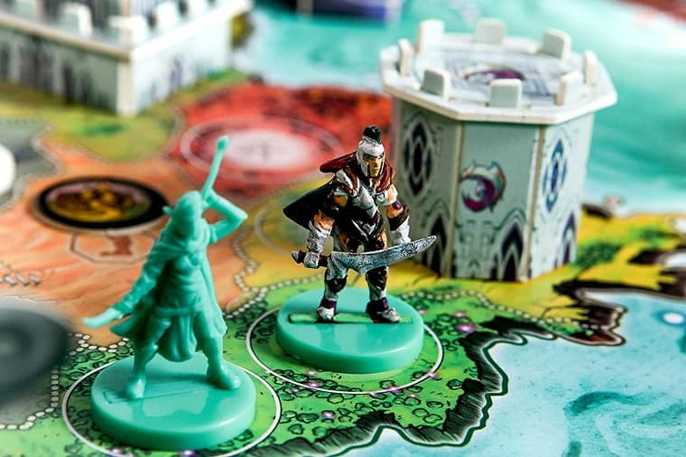 Heroes of Land, Air & Sea more minis-small