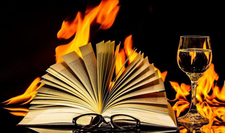 book-2040901_1920