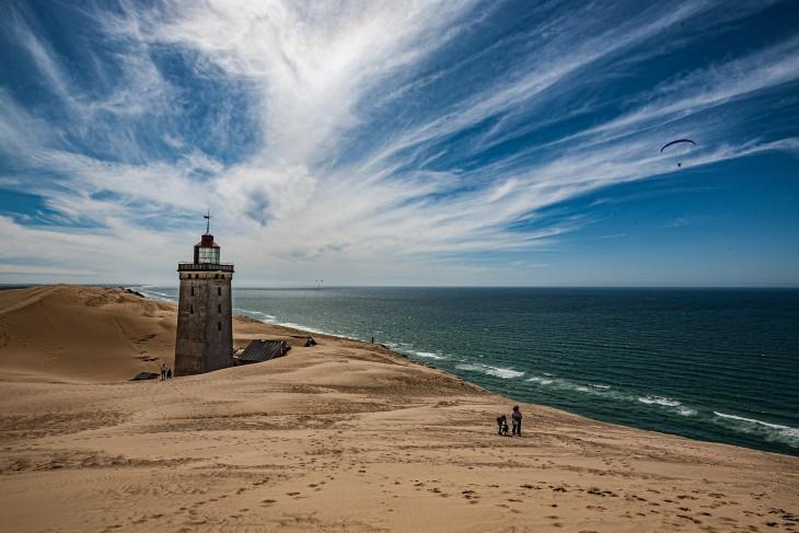 lighthouse-5702233_1920